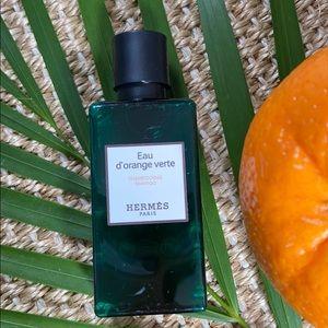 13.5oz total Eau d'orange verte Shampoo